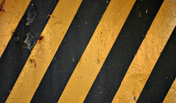 fondo-lineas-negras-amarillas