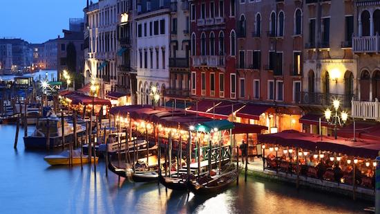 Venecia-Italia-fondo-pantalla-ciudad-noche